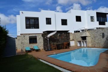 Semi-detached house in Tinajo-Lanzarote