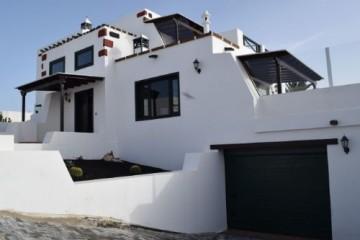 Detached villa in Teguise-Lanzarote