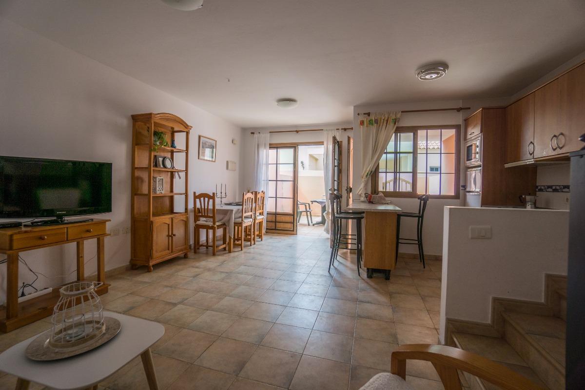 For Sale: Duplex With Terrace And Balcony In Centre Caleta De Fuste Price:  135.000 U20ac
