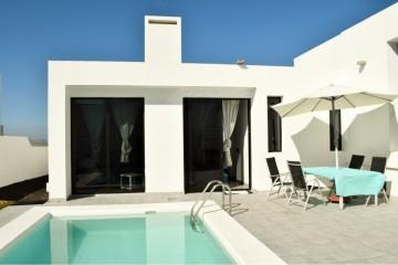 Modern spacious villa in Teguise-Lanzarote