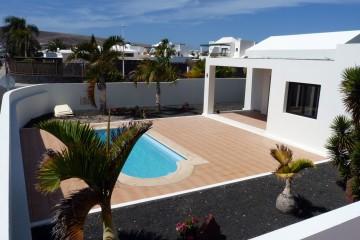 Moderne Villa mit pool & garage in Playa Blanca