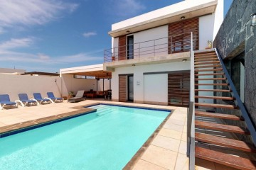 Villa in Las Coloradas-Playa Blanca