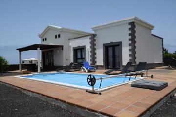 """Villa in """"Los Alisios"""""""