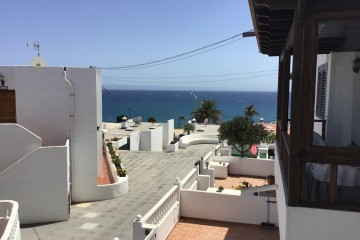 Frontline first floor 3 bed apartment in Puerto del Carmen.