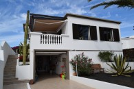 Detached house with sea views in Guime
