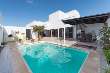 Villa mit privatem Pool und Appartement