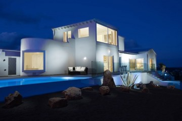 Luxury villa in Macher