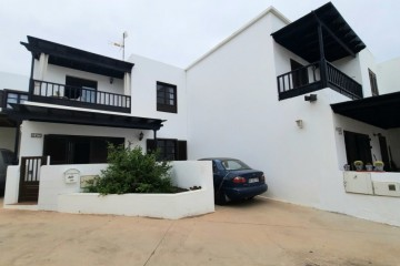 Beautiful detached two-floor house in Costa Teguise
