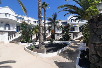 Duplex in Charco del Palo. Two independent one bedroom apartments