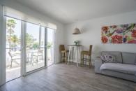 Zentrale Wohnung mit Gemeinschaftspool an der Av. Grandes playas zu verkaufen