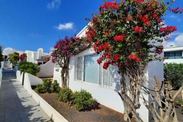 bungalow indépendant avec jardin à seulement 250 mètres de la plage!