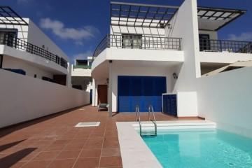 Villa in vendita in una delle migliori zone di Playa Blanca, Las Coloradas